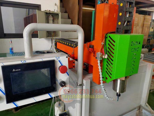 Bảng điều khiển cảm ứng hãng DELTA sử dụng dễ dàng