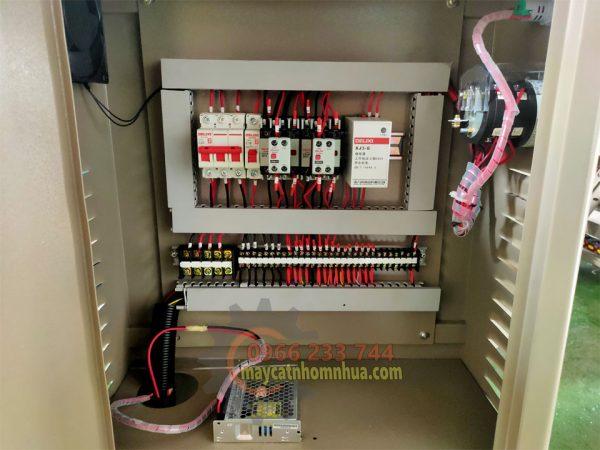 Hệ thống tủ điện với thiết bị đồng bộ hãng DELIXI