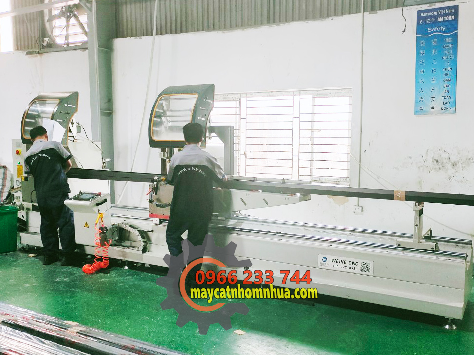 Chuyển dao dàn máy cắt nhôm 2 đầu CNC tự động tại nhà máy SAMYOU Bắc Ninh